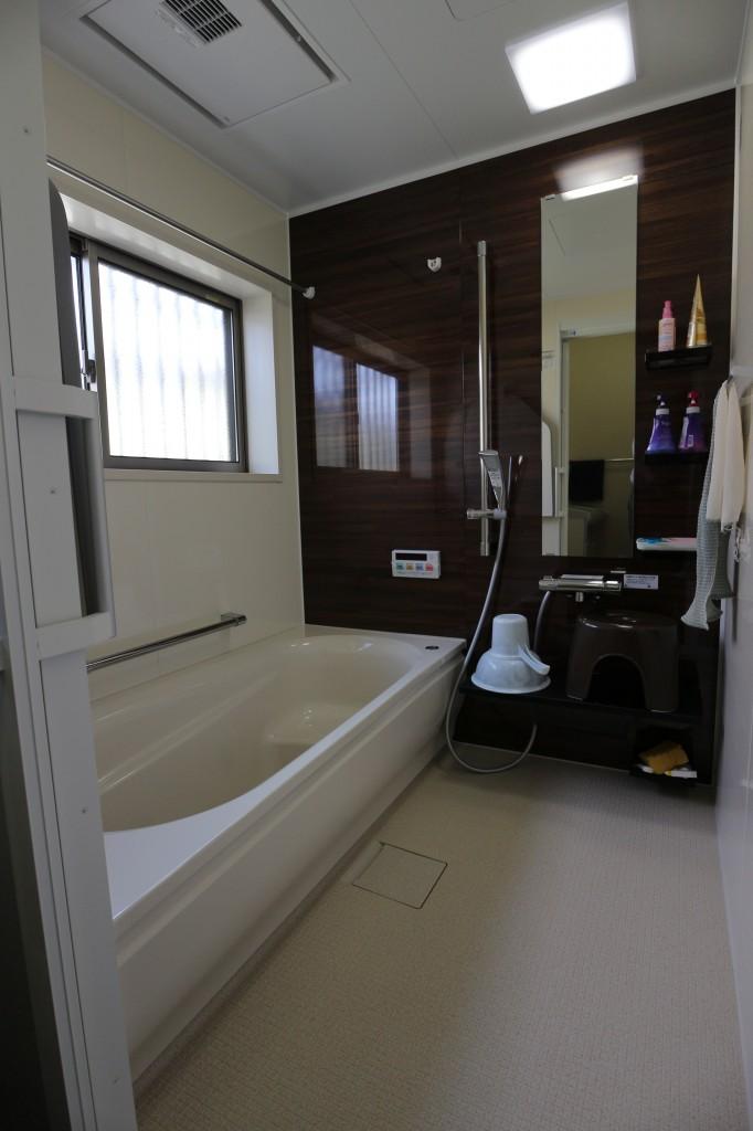 増築でひろびろお風呂を実現
